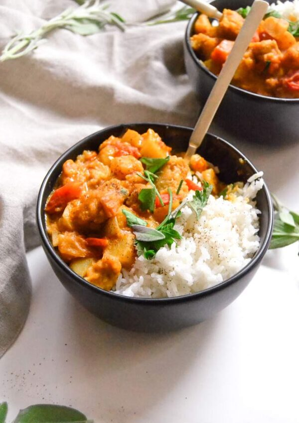 Easy Vegan Pumpkin & Chick'n Curry