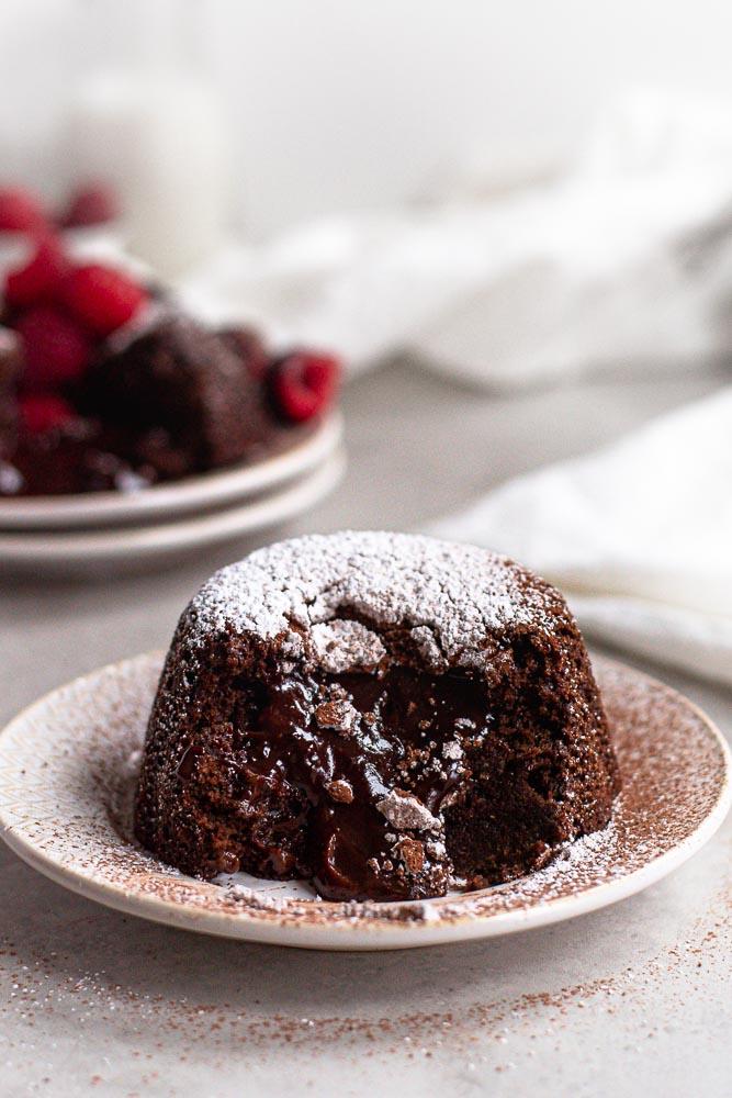 easy vegan chocolate lava cake with lava center