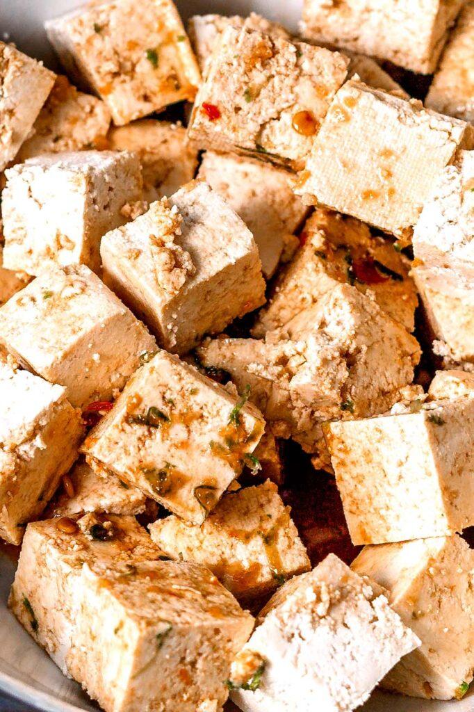 marinating the garlic lime tofu