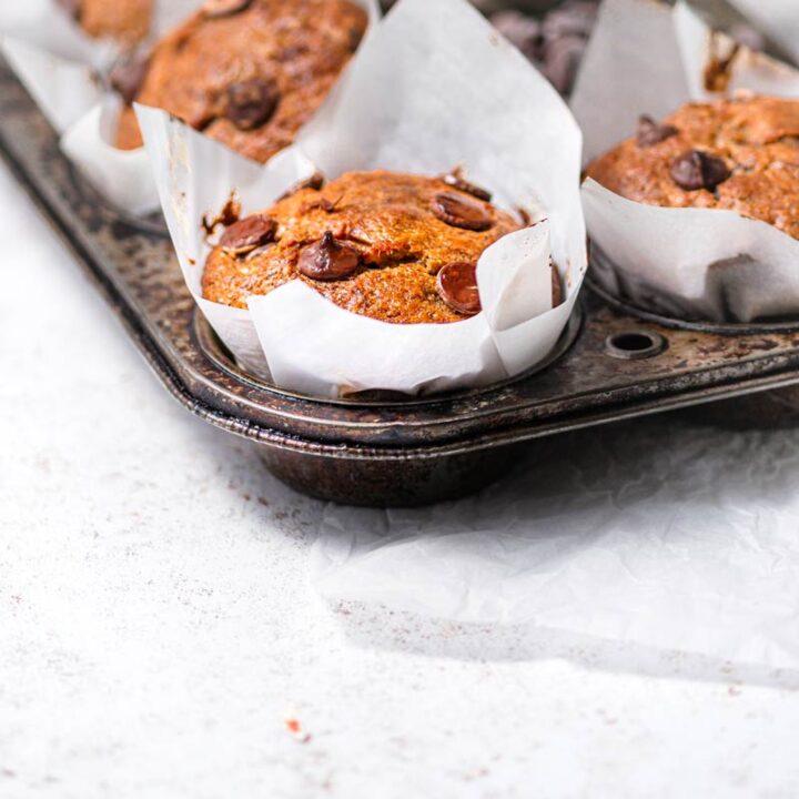 bakery style banana chocolate chip muffins