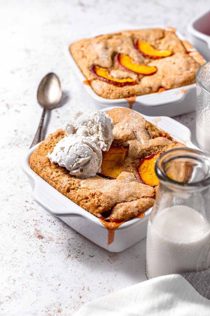 easy vegan peach cobbler with ice cream