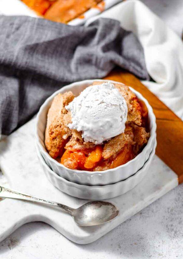 Easy Vegan Peach Cobbler